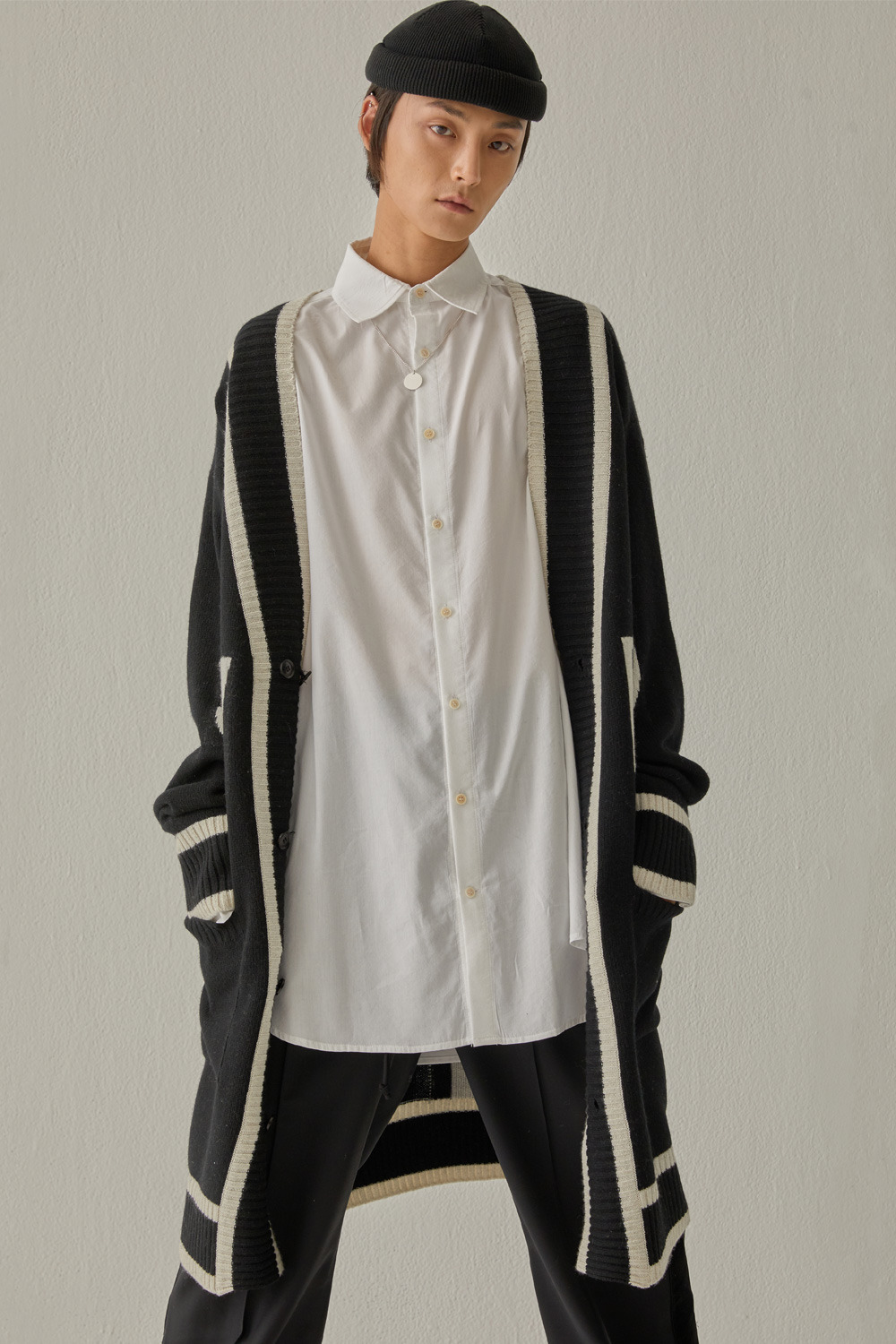 SWBD SIGNATURE LINE CARDIGAN (BLACK)